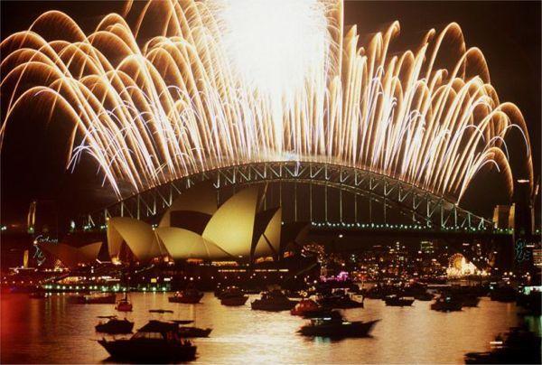 content-campaign-WGIC2014-SydneyHarborFireworks
