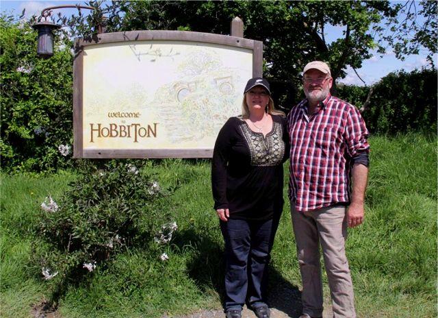 Hobbiton-AMV-102114-Linda-Brian-WelcometoHobbiton
