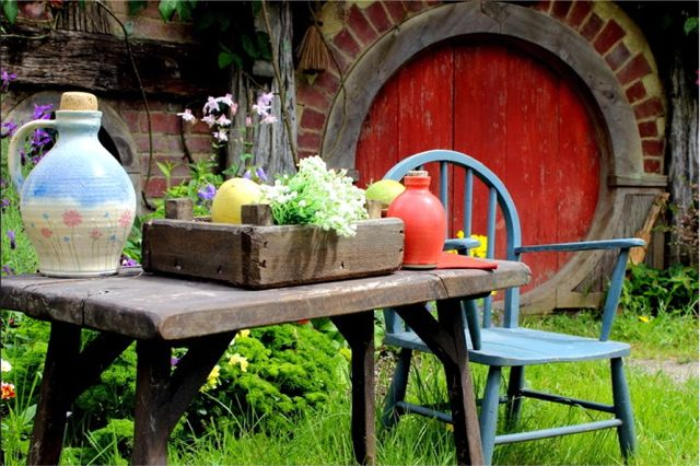 Hobbiton-HobbitonTours-red_door