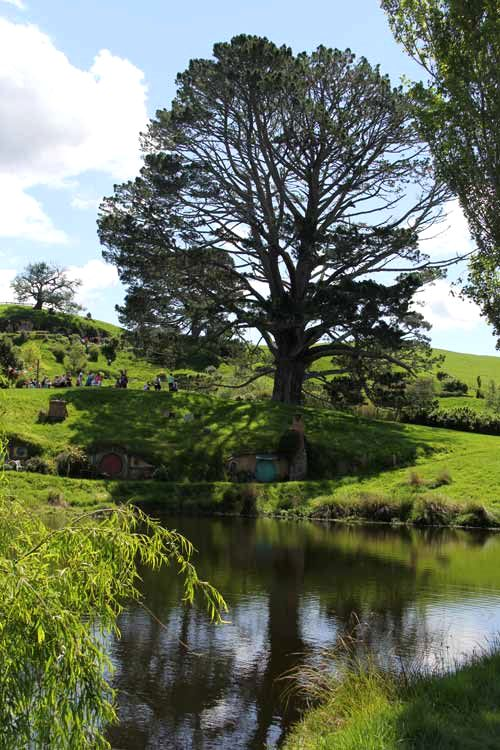 Hobbiton-LSV-102114-4-ThePartyTree