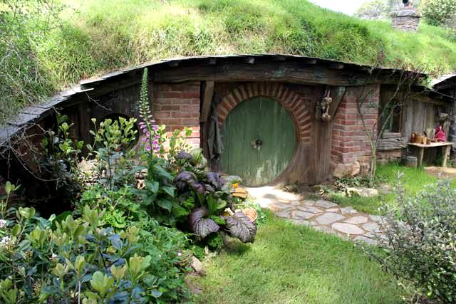 Hobbiton-LSV-102114-GreenDoor