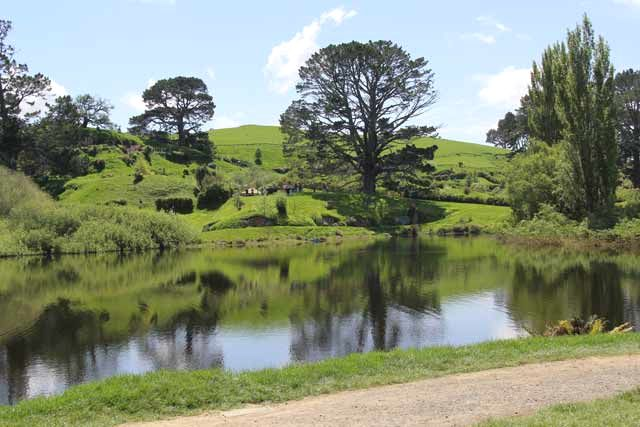 Hobbiton-LSV-102114-Reflections