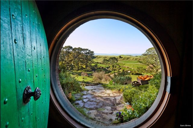 Hobbiton-TourismNewZealand-looking-out