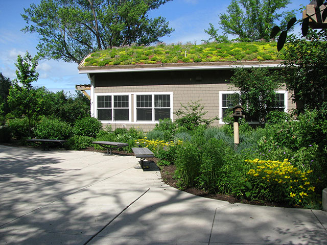 Greenroofs.com Project Week Asbury Woods Nature Center