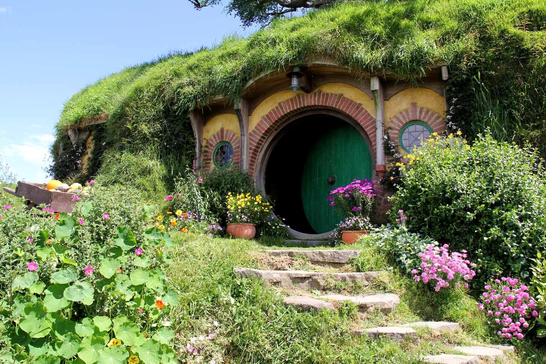 Hobbiton Movie Set - Greenroofs.com