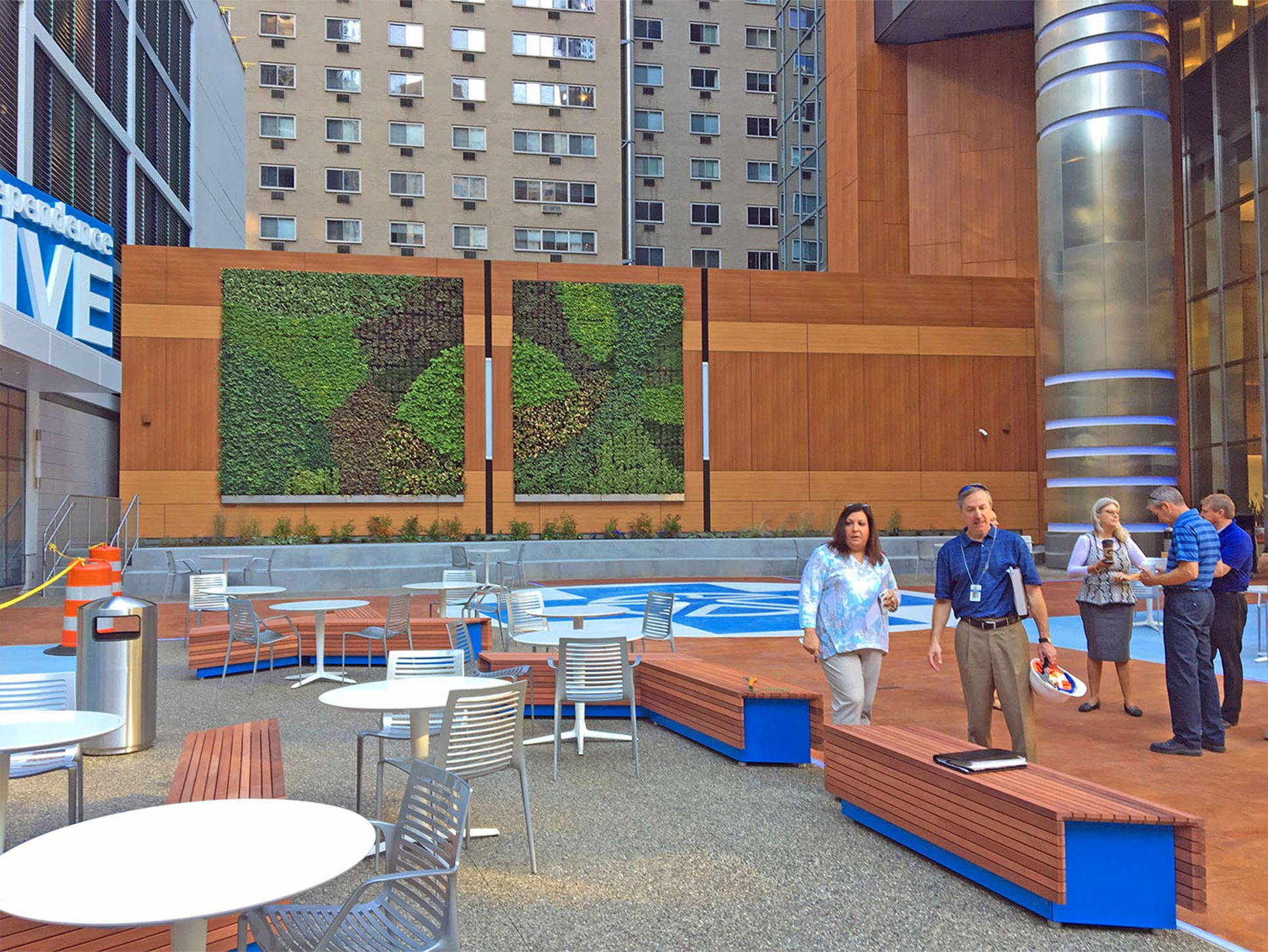 Independence Blue Cross Living Wall - Greenroofs com