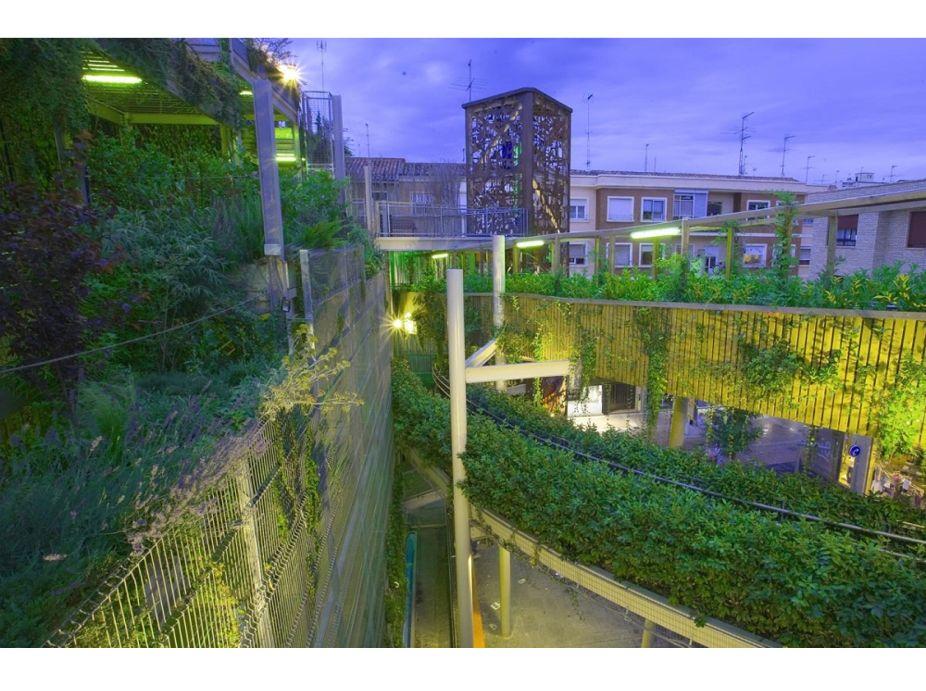 Plaza Delicias (Delicias Square) Vertical Garden Featured Image