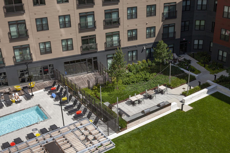 Montaje Courtyard Amp Sky Deck Greenroofs Com