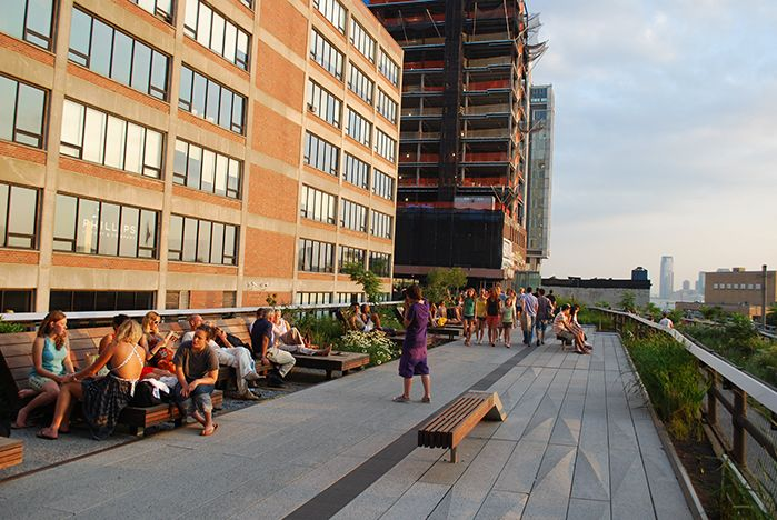 A Comparison of the 3 Phases of the High Line Part 5 - Water Feature & Drinking Fountains